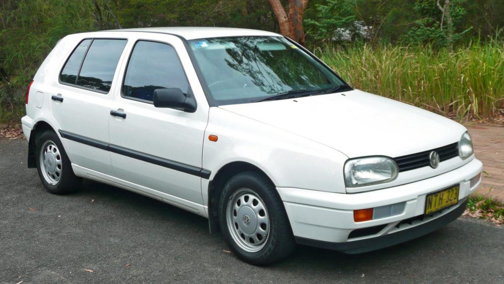 Este rentabil să înscrii o mașină veche și ieftină